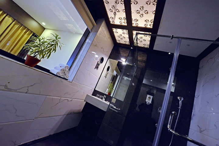 Ethnotel Hotel Empirica Bathroom