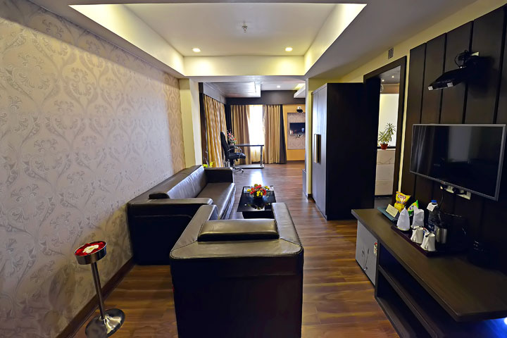 Ethnotel Hotel Empirica Spacious Sitting Area
